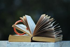 open-book-851401_1280